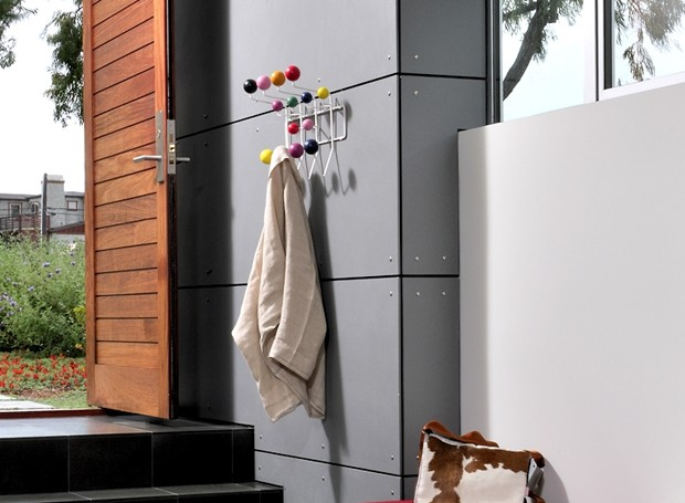 Home - Accessories - Hanger - Eames